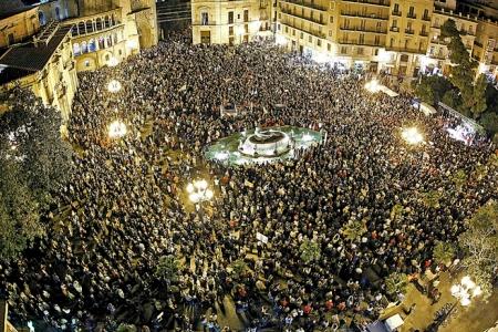 Manifestación en el centro de Valencia por la radiotelevisión pública. Foto: El Mundo