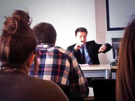 Frederic Ferri interviene durante la charla sobre RTVV en la UCLM. Foto: Beni Díaz