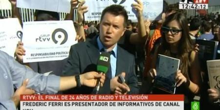 Frederic es entrevistado por LaSexta durante las protestas previas al cierre