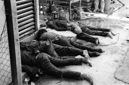Soldados caídos durante el alzamiento en Ocosingo. Foto: Benjamín Flores