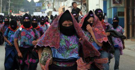 Mujeres zapatistas durante marcha de prostesta. Foto: Tvazteca
